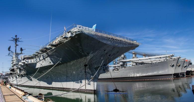 USS HORNET-1