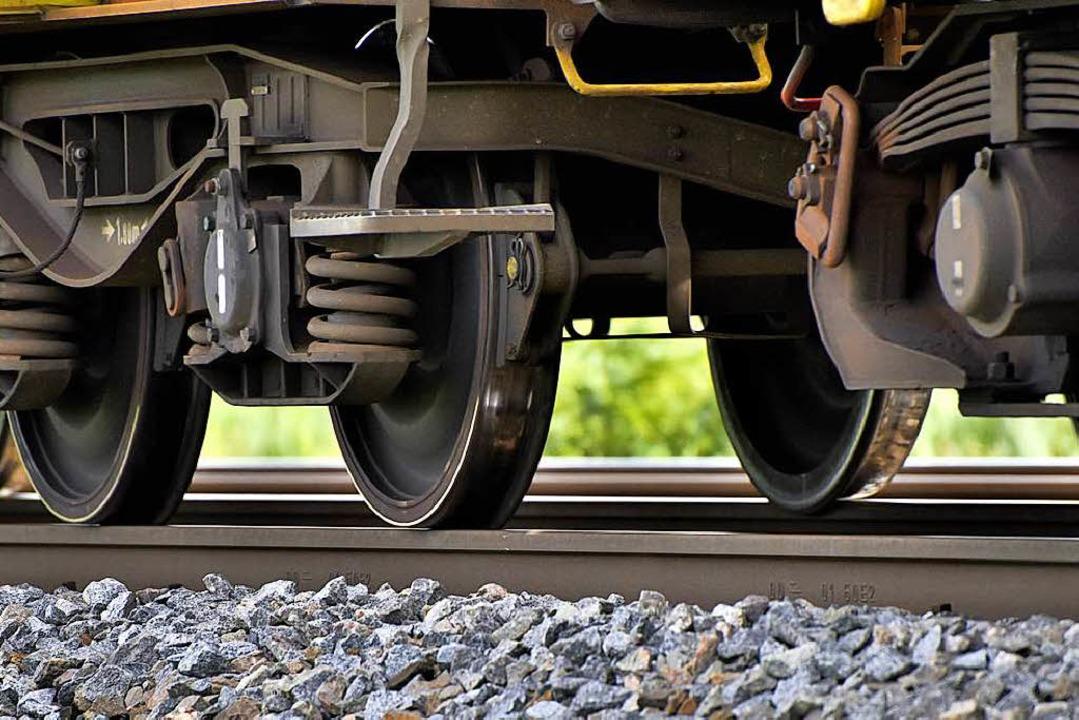 Heftig umstritten bleibt die Prognose,...ausgebaute Rheintalbahn rollen werden.  | Foto: Siegfried Gollrad