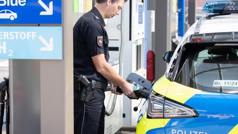 Polizei in Niedersachsen testet Auto mit Wasserstoffantrieb