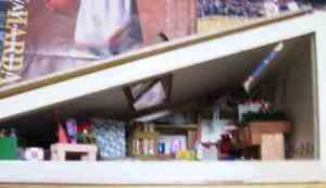 屋根裏のある洋館・お菓子 写真No,9