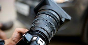 索尼全幅E接環電影鏡頭 Sony FE PZ 28-135 F4 G OSS 鏡頭有何優點?