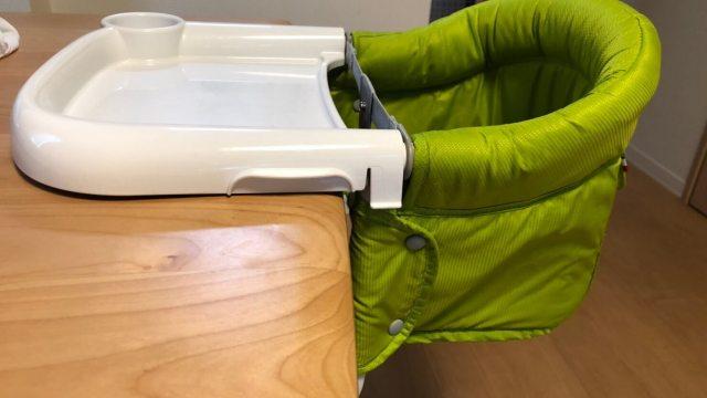 ダイニングテーブルに直接取り付けるタイプの食事用チェアー