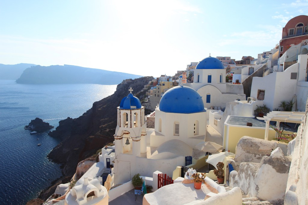 our easy & amazing daytrip to beautiful santorini