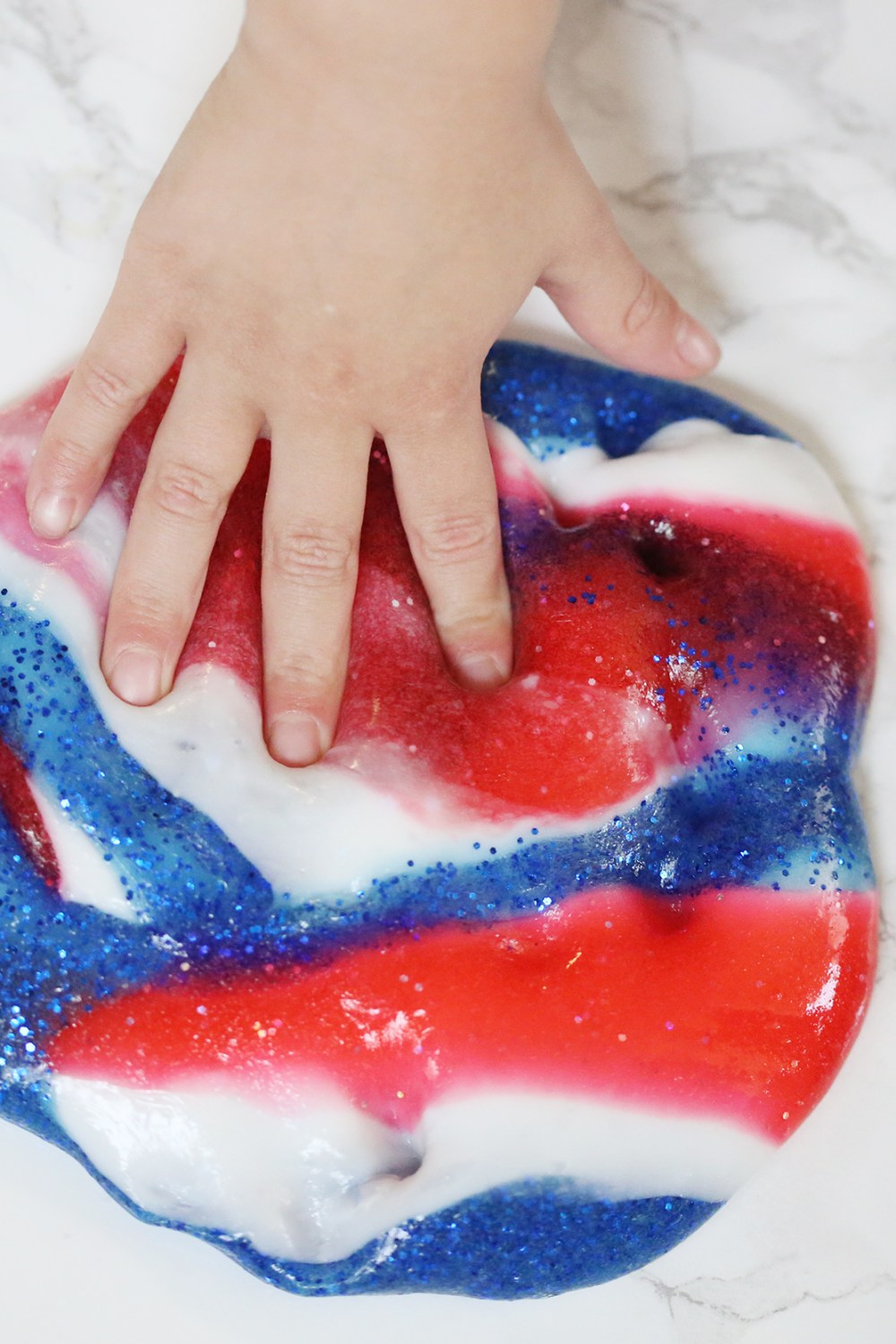 Easy and Fun Star-Spangled Slime -healthyaiblog.com