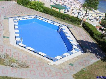 Piscina hotelului Belvedere, fara apa. Nuti, te arunci?