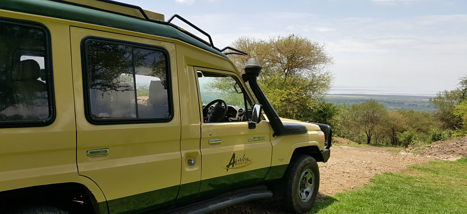 Ajabu Adventures has 4WD safari vehicles Land Cruisers and Land Rovers