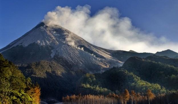 Misteri Mengenai Gunung Merapi