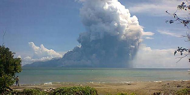 letusan Gunung Rokatenda 2013
