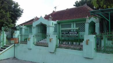 masjid-lawean
