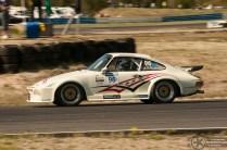 Ennen bemareita kisasivat Porschet. Nice!