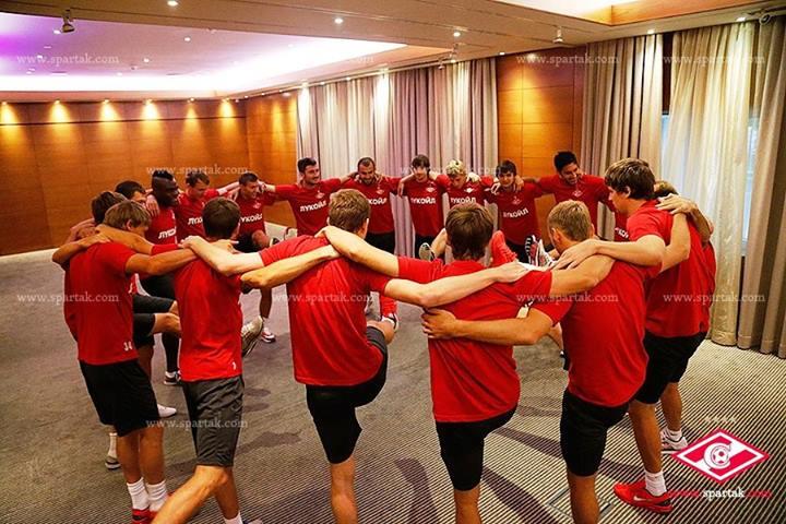 Yura leading his Spartak teammates in a Kochari. Photograph courtesy Spartak.