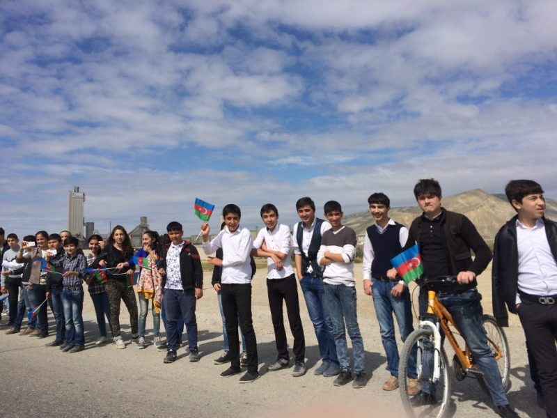 Azeri kids watching the Tour and waving Azerbaijani flags, via Patrick Redford