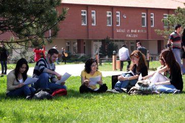 IMG 1776 - AİBÜ'de Öğrenci Sayısı 30 Bini Aştı, 13 Yeni Bölüm ve Program Açıldı
