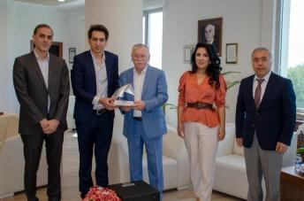DSC 2556 - En İyi Askeri Kara Araç Tasarımı Ödülü Sahibi BAİBÜ Öğrencisinden Rektör Alişarlı'ya Ziyaret...