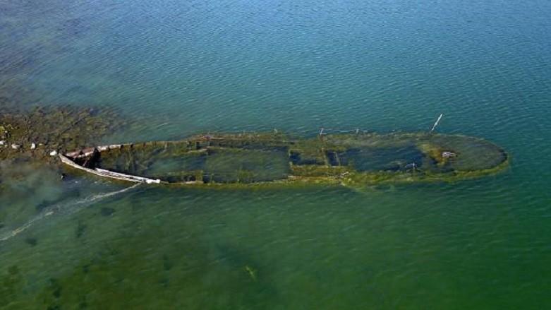 Van Gölü'nde batık gemi ortaya çıktı