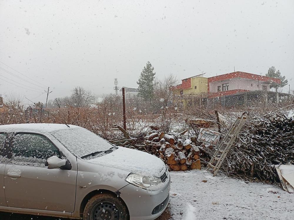Silvan'da yoğun kar yağışı