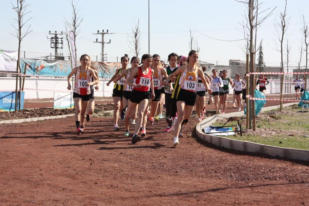 Diyarbakır'da 20 yıl sonra kros şampiyonası