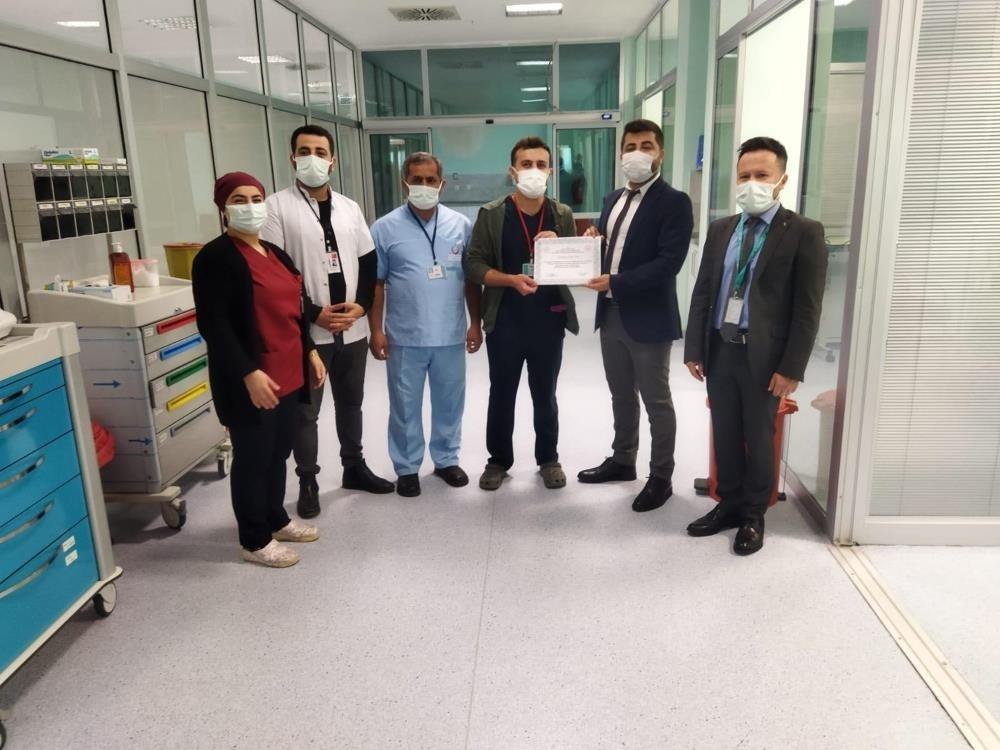 Silvan'da sağlık çalışanlarına başarı belgesi verildi