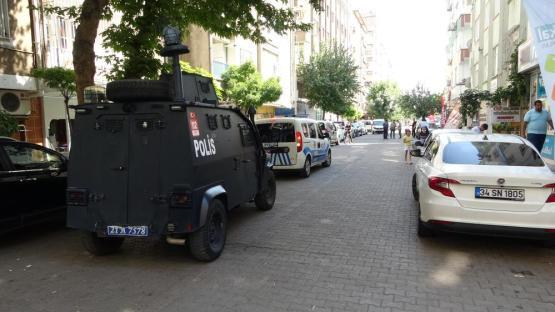 Diyarbakır'da sokak ortasında silahlı kavga: 1 yaralı
