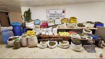 Diyarbakır'da 1 ton 817 kilogram esrar ele geçirildi
