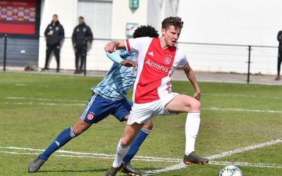 Ajax Zaterdag 1/2 speelt gelijk tegen Ajax O18 (2-2)
