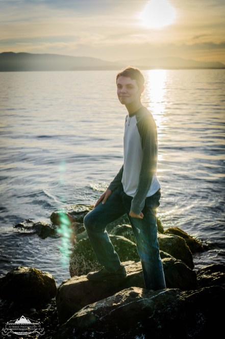 I love autumn light in the PNW. Mountains + Islands + Sea + Sundown = the perfect studio. Everything just looks epic, and creates the perfect backdrop for just about anything; especially senior portraits. Congratulations and good luck with the rest of your senior year Ryan! I know you will be successful in your next adventure! You are, indeed, a rockstar!