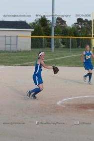 Softball Level 2 Vinton Shellsburg vs Benton Community 2014-6512