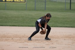 Softball Varsity Vinton-Shellsburg vs Clear Creek Amana 2014-5159