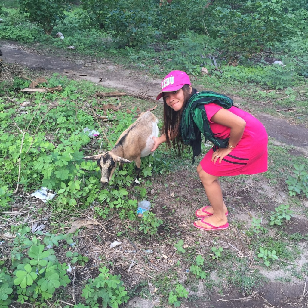 jovelyn-touches-a-goat