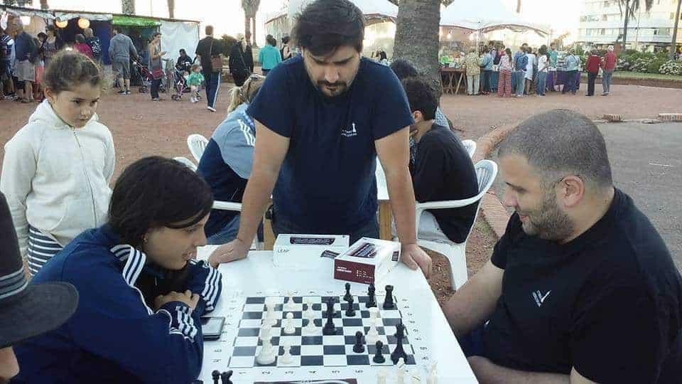 Un camino para sumar en el ajedrez uruguayo infantil
