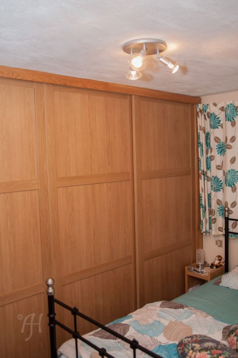 Oak effect sliding doors