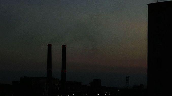 Sötét füst a sötétség leple alatt