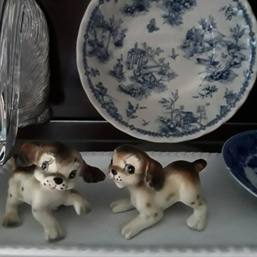 two porcelain puppies, breed King Charles Spaniel