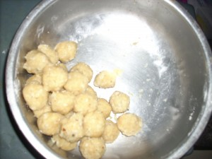Laddoos made of Maa Vilakku can be Consumed as Prasad