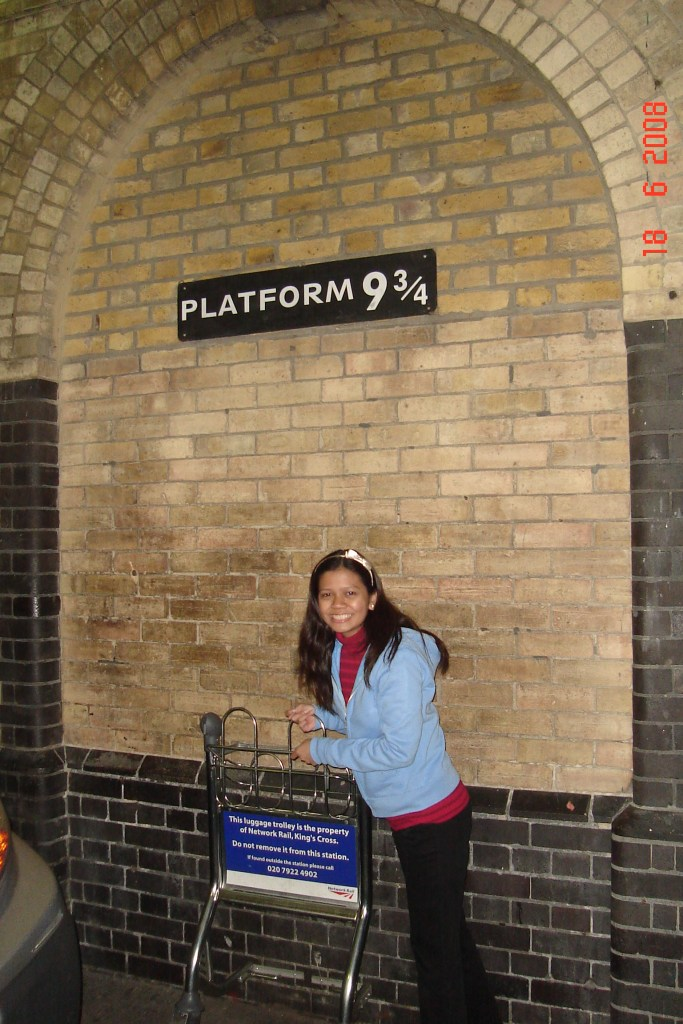 Platform 9 3/2 - King's Cross Station London