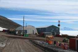 The Science Cargo warehouse (left) and the Berg Field Station (right), in McMurdo Station, Antarctica. © A. Padilla
