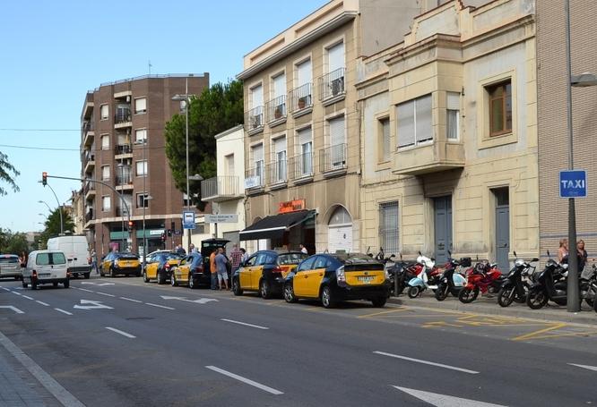 L'Ajuntament de Badalona i l'Àrea Metropolitana de Barcelona tracten el futur del servei de transport adaptat per a persones amb mobilitat reduïda