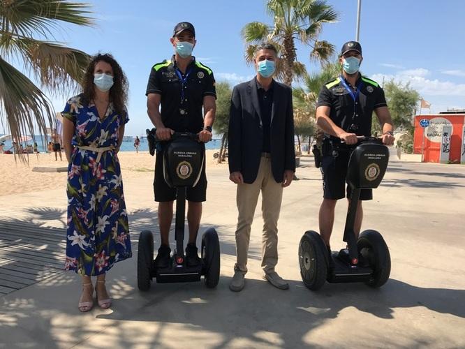 La Guàrdia Urbana de Badalona incorpora dos segways per patrullar amb més rapidesa i efectivitat per la zona litoral del municipi