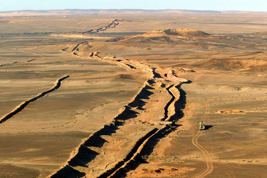 Resultado de imagen para muro marroqui sahara occidental