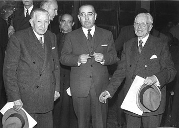 Ramon and Pedro Marull with the Secretary, Luis Miguel Rodriguez. Closing of the First International Philatelic Congress in Barcelona, April 5, 1960 Source: Ramon Marull's collection, unknown author