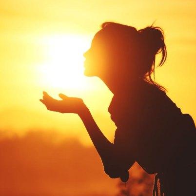 Pozdrav soncu surya namaskar