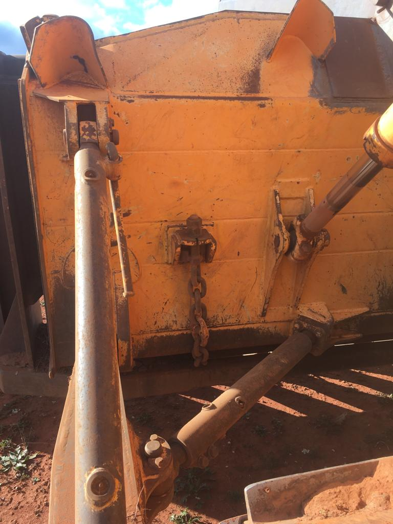 Chain used to attach drive in stick rake