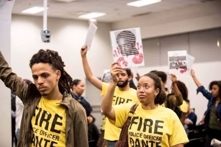 Black youth activists demand Officer Dante Servin be fired for killing Rekia Boyd.
