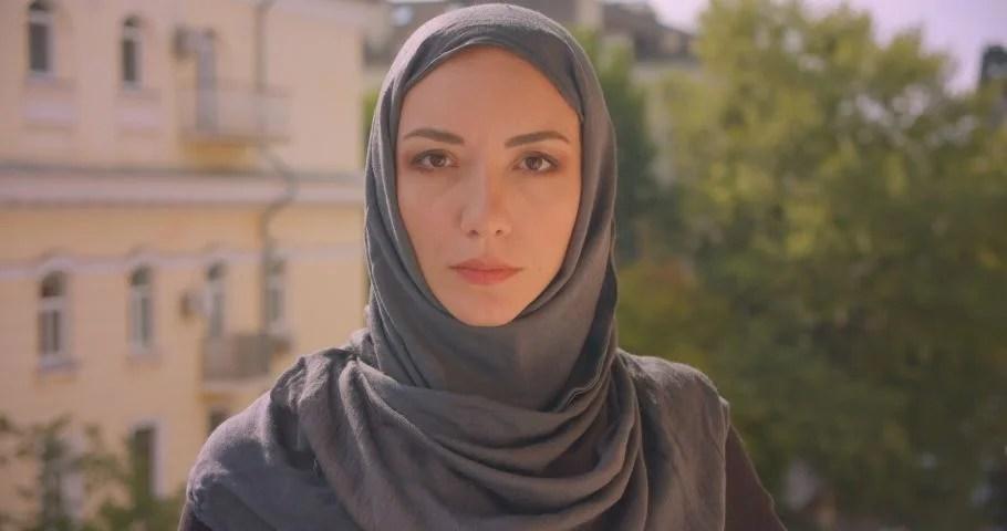 O donne del profeta, non siete come una donna qualunque. Shutterstock