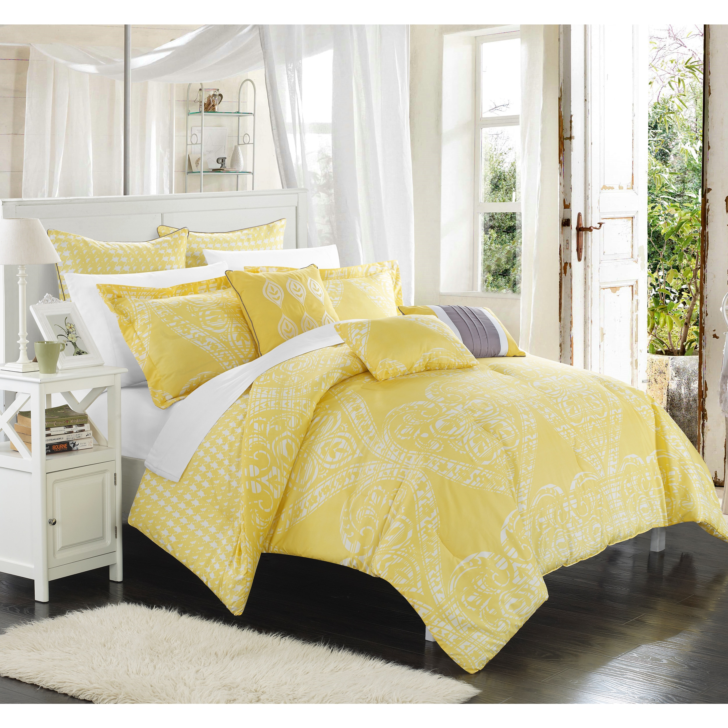 Shop Chic Home Perugia Yellow Oversized Reversible 8 Piece