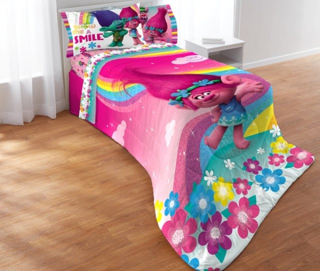 Dreamworks Trolls Show Me A Smile  Piece Bed In A
