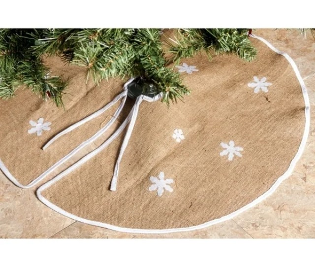 Imperial Home Barnyard Brown Rustic Burlap  Inch Round White Snowflakes Christmas Tree Skirt
