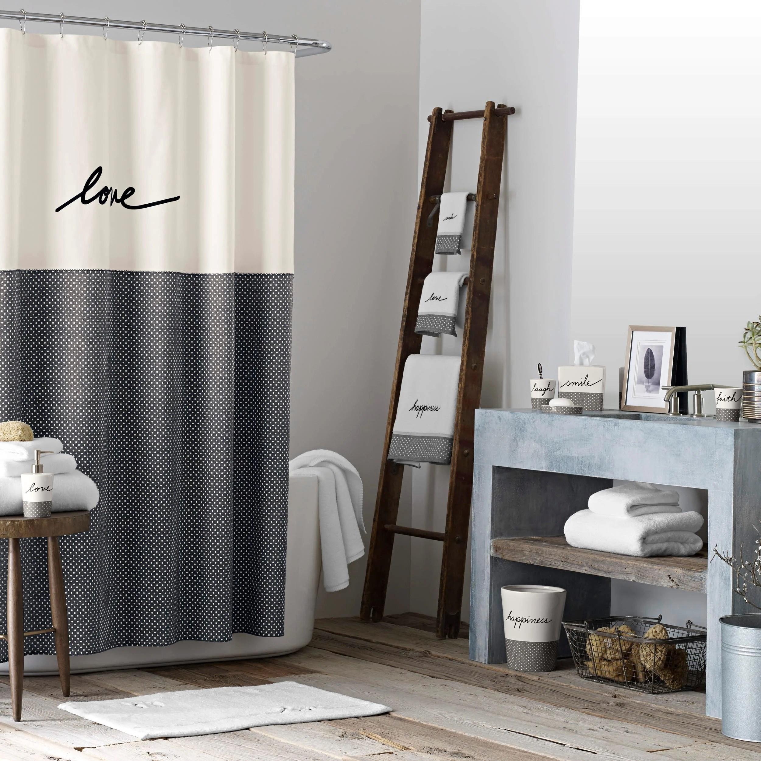 فكرة غادر يتملص love shower curtain