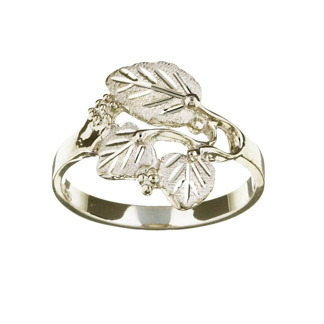 Black Hills Silver Womens Leaf Cutout Ring 11183811