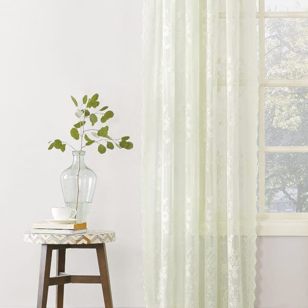 the best types of fabric curtains for